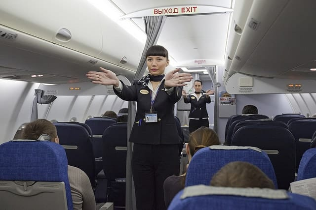 Flight-attendants-teamwork-productivity-time-management-tips