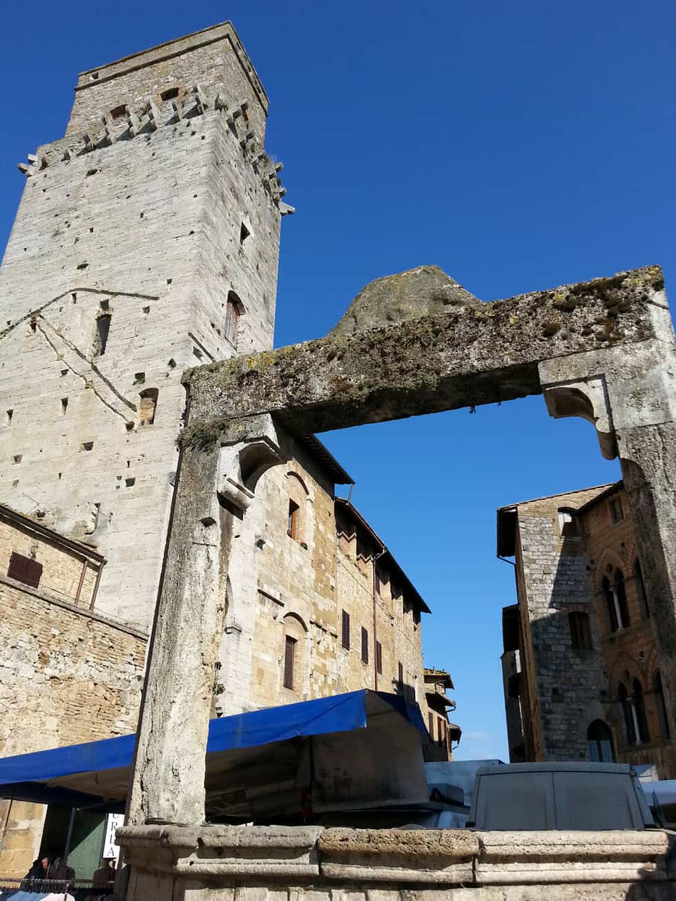 villages-in-italy-san-gimignano-tower_sm